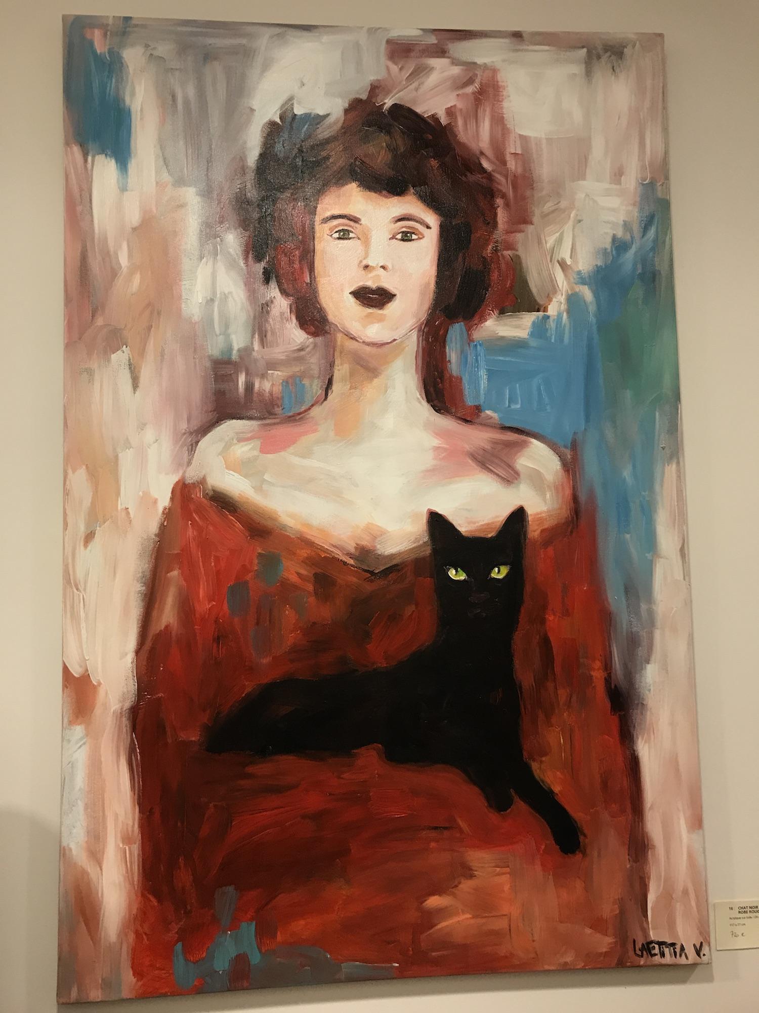 Chat Noir Sur Robe Rouge